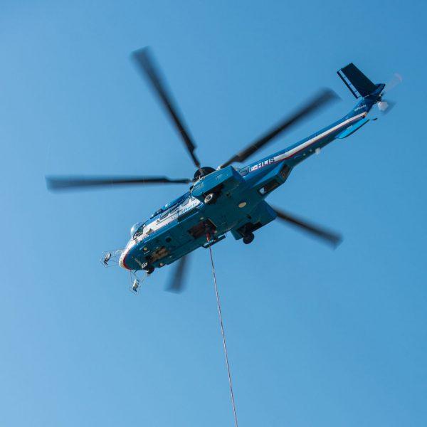 Travaux de levage par hélicoptère